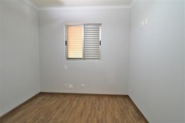 Comprar Apartamento / Padrão em Londrina R$ 450.000,00 - Foto 10