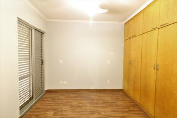 Comprar Apartamento / Padrão em Londrina R$ 450.000,00 - Foto 12