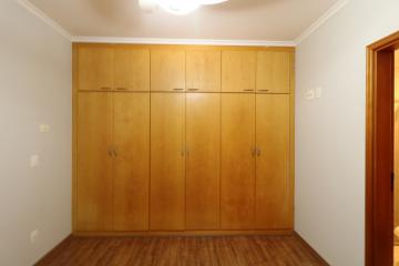 Comprar Apartamento / Padrão em Londrina R$ 450.000,00 - Foto 13