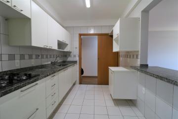 Comprar Apartamento / Padrão em Londrina R$ 450.000,00 - Foto 15