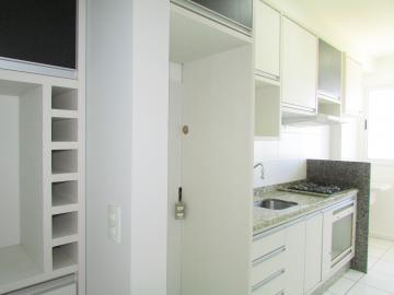 Comprar Apartamento / Padrão em Londrina R$ 325.000,00 - Foto 7