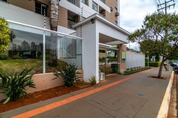 Alugar Apartamento / Padrão em Londrina. apenas R$ 330.000,00