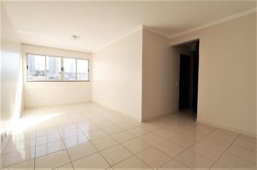 Comprar Apartamento / Padrão em Londrina R$ 200.000,00 - Foto 2