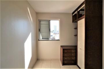 Comprar Apartamento / Padrão em Londrina R$ 200.000,00 - Foto 5