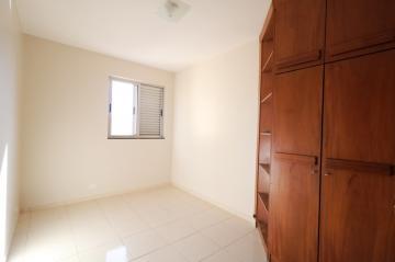 Comprar Apartamento / Padrão em Londrina R$ 200.000,00 - Foto 10