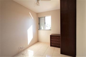 Comprar Apartamento / Padrão em Londrina R$ 200.000,00 - Foto 7