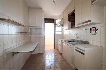 Comprar Apartamento / Padrão em Londrina R$ 200.000,00 - Foto 13