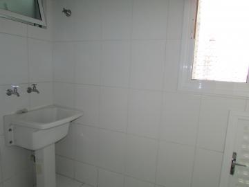 Comprar Apartamento / Padrão em Londrina R$ 430.000,00 - Foto 17
