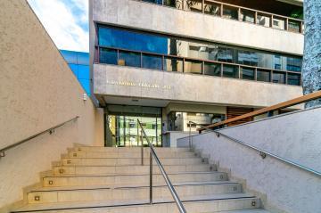 Alugar Apartamento / Padrão em Londrina. apenas R$ 1.100.000,00