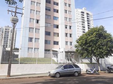 Alugar Apartamento / Padrão em Londrina R$ 800,00 - Foto 1