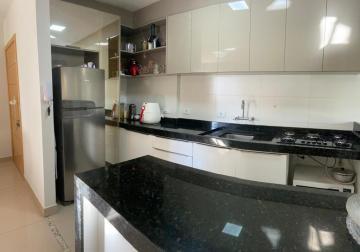 Comprar Apartamento / Padrão em Londrina R$ 610.000,00 - Foto 2