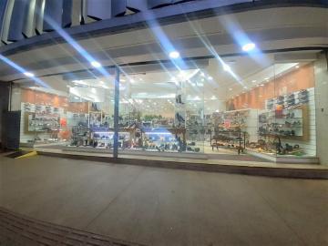 Londrina Centro Comercial Locacao R$ 40.000,00  Area do terreno 313.80m2 Area construida 1161.56m2