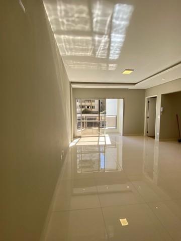 Comprar Apartamento / Padrão em Londrina R$ 499.000,00 - Foto 5