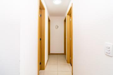 Comprar Apartamento / Padrão em Londrina R$ 360.000,00 - Foto 16
