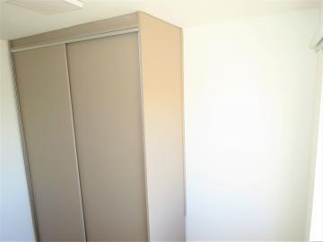 Comprar Apartamento / Padrão em Londrina R$ 350.000,00 - Foto 10
