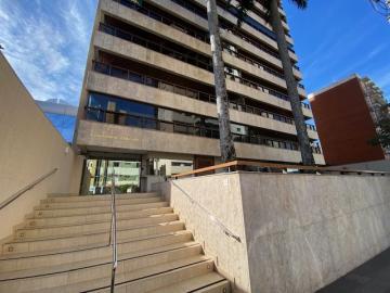 Alugar Apartamento / Padrão em Londrina. apenas R$ 2.900,00
